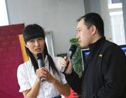 默默水现场采访观众 最爱女主播 2009上海车展